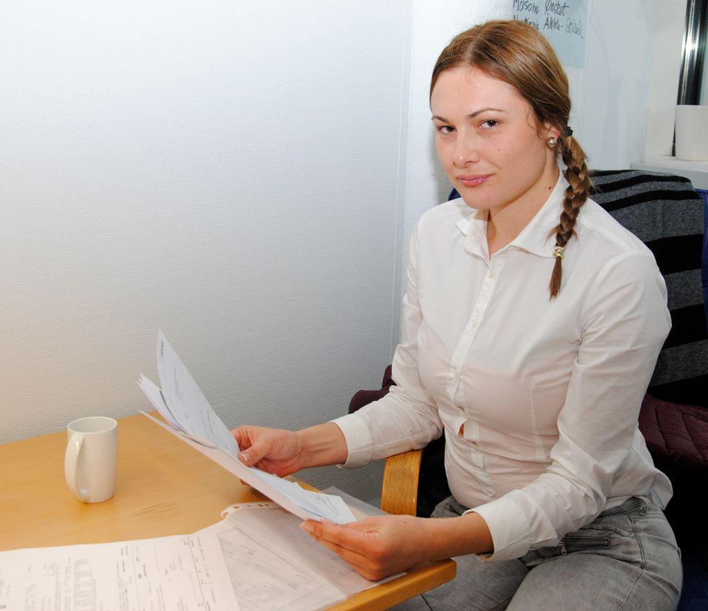 82618728 Helsefagarbeider Ivana Peric må fortsatt ha to jobber og ta ekstravakter i  tillegg for å forsørge