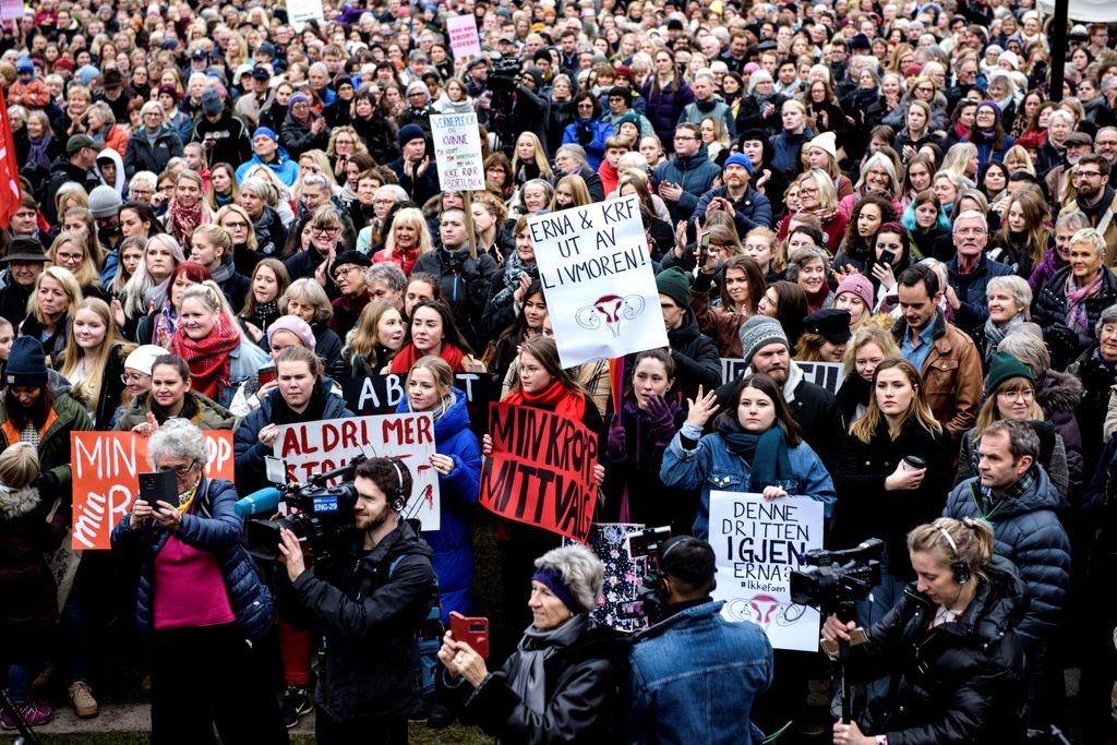 Stortinget vedtok Erna Solbergs historiske innstramming i abortloven