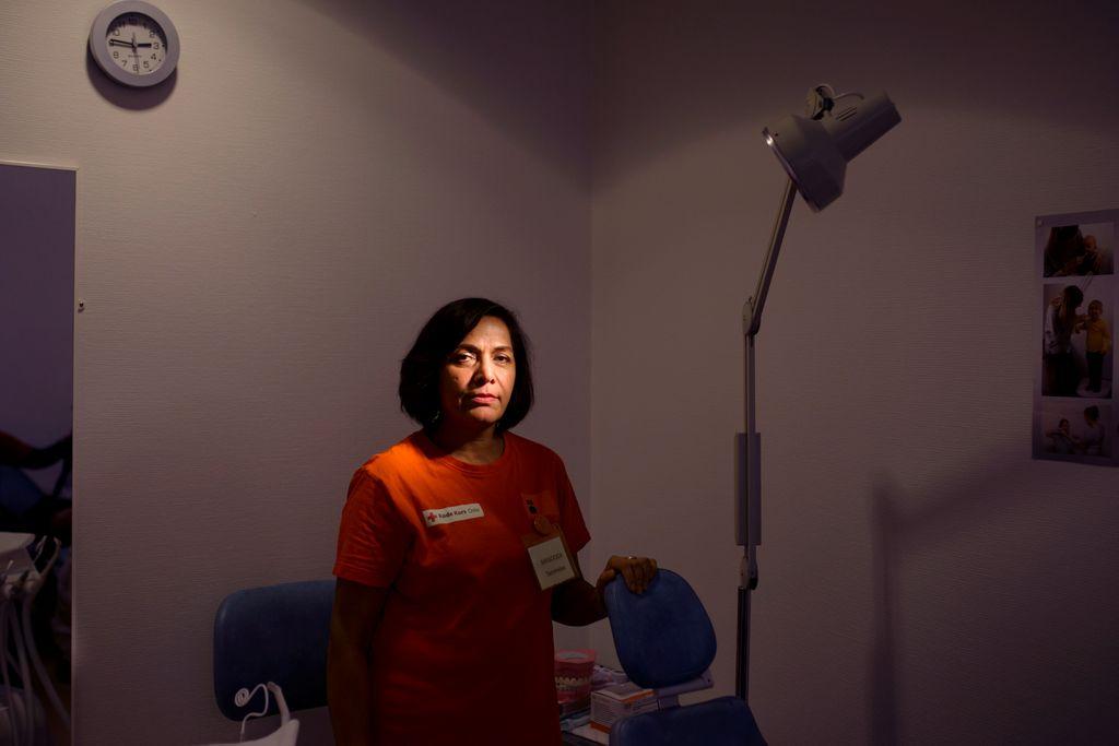 Nå må Masooda sende pasientene med tannverk hjem uten behandling