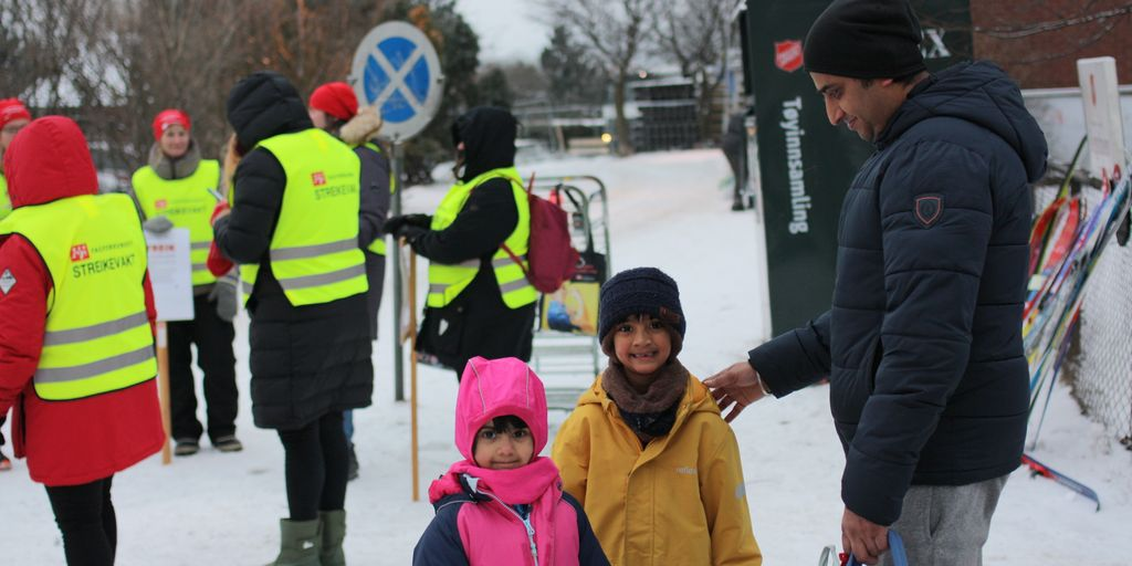Småbarnsfar og bussjåfør Narvender støtter barnehagestreiken: – Var selv i streik for ikke lenge siden
